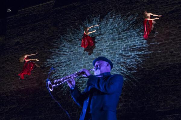 A* Jesús Garzaron F* 2017_08_11 T* Danza en las murallas Compañía de danza vertical Il Posto (Venecia) L* Baluarte de Guadalupe